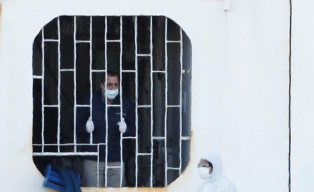 """""""ספינת הקורונה""""  (צילום: שי פרנקו, רויטרס)"""