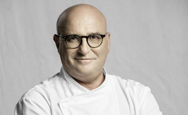 ארז קומרובסקי מגיע לבשל ביקב דלתון