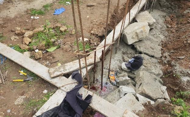חילוץ גבר שנפל על ברזלי בניין בבית שמש