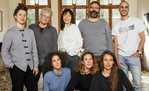 ניצה בן צבי ויוצרי 6 ההצגות המקור שיעלו בבכורה בפסטיבל חיפה (צילום: ז'ראר אלון באדיבות תיאטרון חיפה)