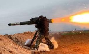 מורד סורי משגר טיל (צילום: KashmirOsint@Twitter)