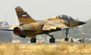 מטוס קרב איראני (צילום: Shahram Sharifi, wikimedia)