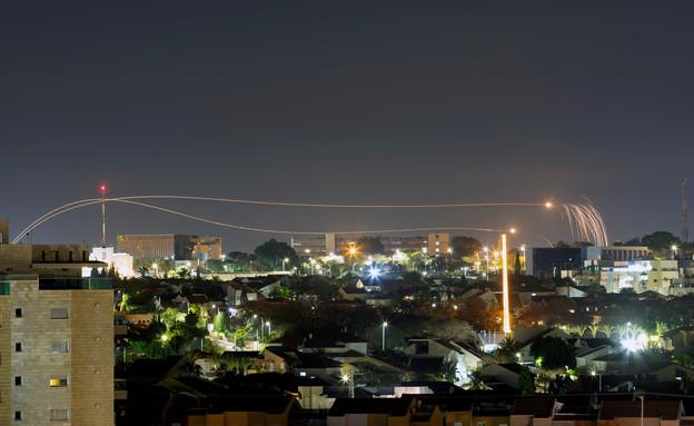 יירוט כיפת ברזל מעל אשקלון (צילום: רויטרס)