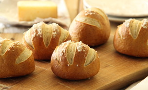 לחמניות פרצלס מקמח מלא (צילום: חן שוקרון, אוכל טוב)