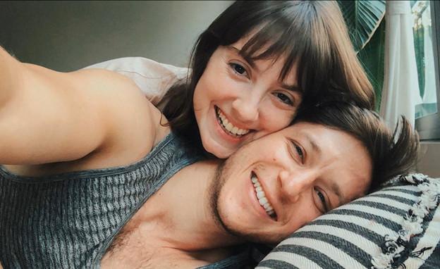 """לי בירן ואליאנה תדהר מאורסים (צילום: מתוך """"ערב טוב עם גיא פינס"""", קשת 12)"""