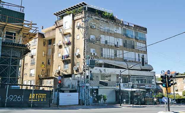 רחוב הרצל ברחובות. דירה מעל פאב קורצת לסטודנטים (צילום: איל יצהר, גלובס)