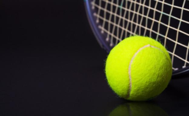 כדור טניס (צילום: kertlis, Istock)