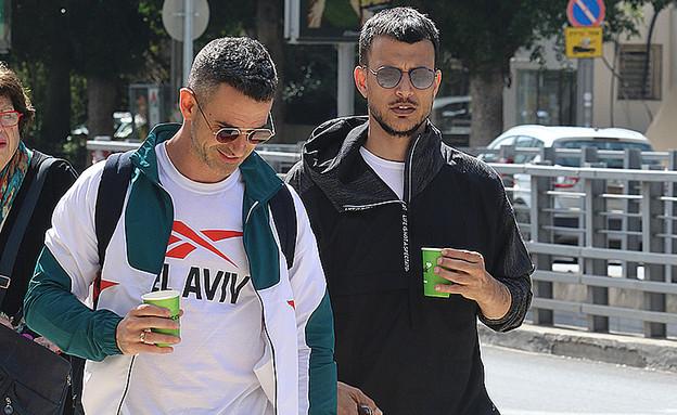 אלברט ואסי עזר פפראצי, מרץ 2020 (צילום: פול סגל)