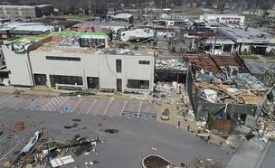 נזקי סופת הטורנדו בטנסי (צילום: רויטרס)