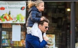 בראדלי קופר והבת. מרץ 2020