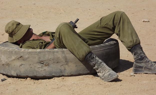 חייל ישן (צילום: שי לוי)