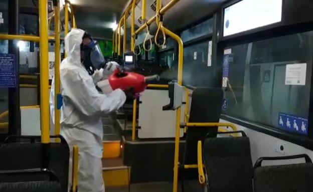 אוטובוסים עוברים חיטוי לקורונה