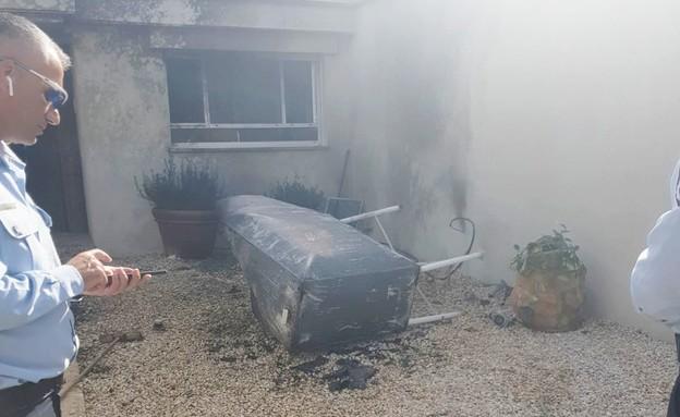 מיכל דלק שהתפוצץ בבית בקיסריה (צילום: קבוצת פעילות מבצעית, באדיבות קבוצת פעילות מבצעית)