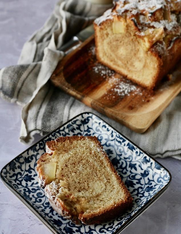 עוגת שיש תפוחים וקינמון - פרוסה
