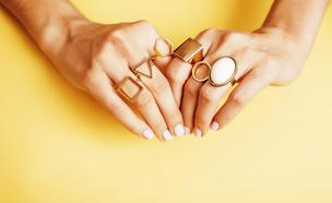ידיים של אישה (צילום:  iordani, shutterstock)