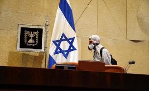 חיטוי במשכן הכנסת - השבעה בצל הקורונה (צילום: עדינה וולמן, דוברות הכנסת)