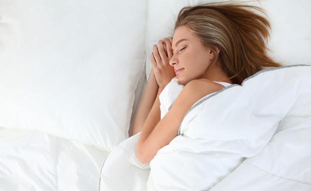 הישראלים ישנים על הצד  (צילום: צילום מסך מתוך ווטסאפ, מעריב לנוער)