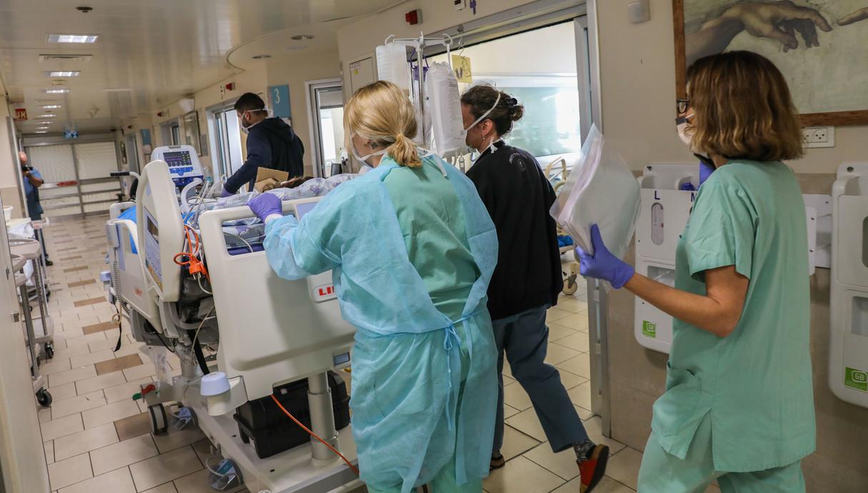 חולה קורונה בבית החולים