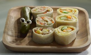 3 ארוחת בוקר בריאות בטורטיות סושי :  עם חביתה או עם טונה (צילום: אמהות מבשלות ביחד, ערוץ 24 החדש)