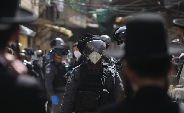 פעילות משטרה במאה שערים לאכיפת תקנות הקורונה