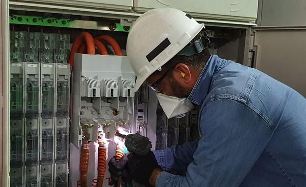 חברת חשמל, עבודה חיונית