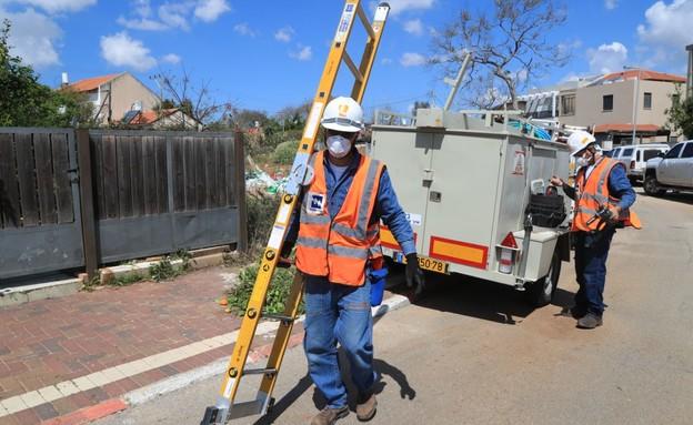 חברת חשמל, עובדים חיוניים (צילום: באדיבות יוסי וייס)