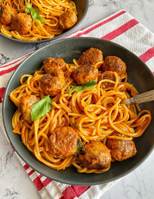 ספגטי קציצות בשר רכות רכות (צילום: רון יוחננוב, אוכל טוב)