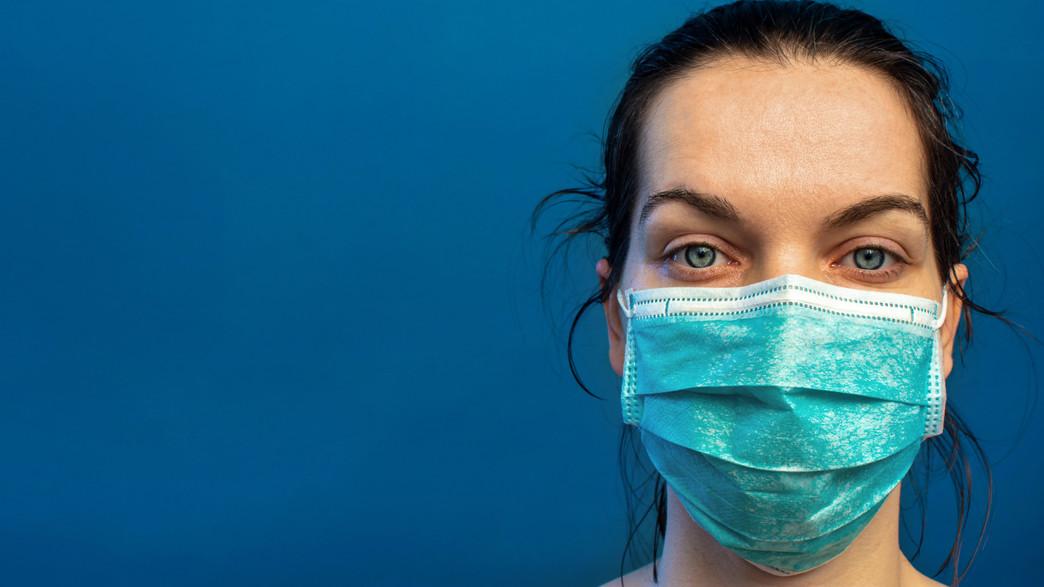 אחות קורונה, אישה עם מסכה (צילום:  St.Marco, Sutterstock)