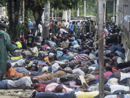 קורונה בקניה: שוטרים הכו באכזריות אזרחים