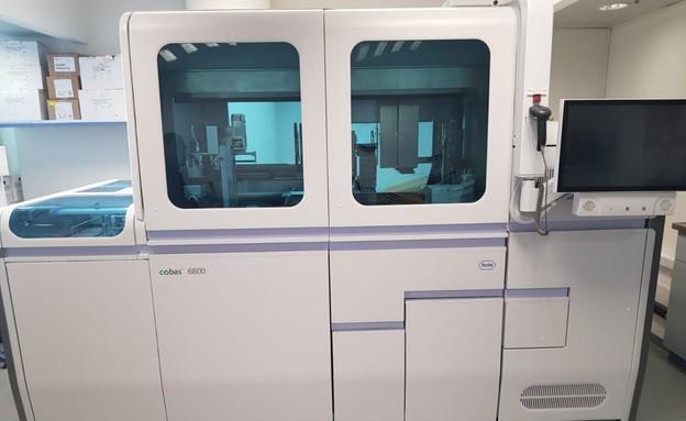 המכשיר של חברת 'רוש' שמפענח 1,500 בדיקות קורונה ביום