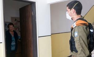 """סיוע כוחות צה""""ל לאכיפת הגבלות הקורונה (צילום: דובר צה""""ל)"""
