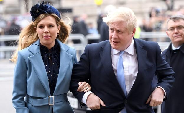 בוריס ג'ונסון ובת זוגו (צילום: sky news)
