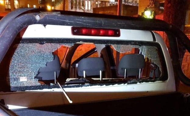 צוות מד״א וניידת עירייה הותקפו במאה שערים