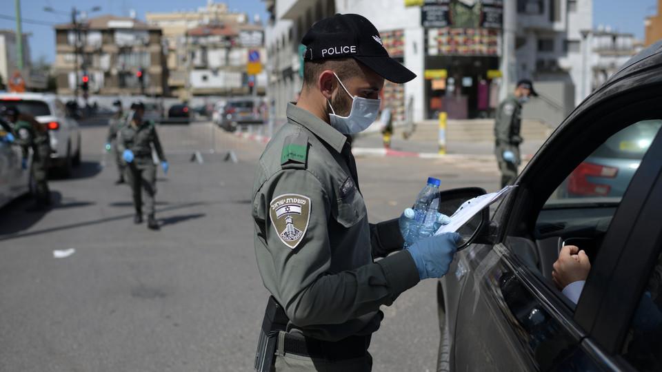 הסגר בני ברק קורונה שוטרים (צילום: גילי יערי פלאש 90)