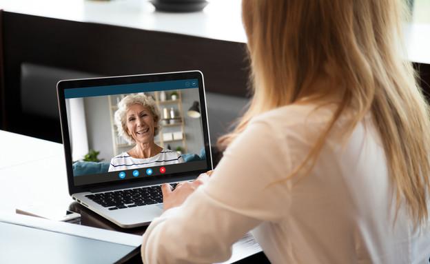 לדבר מהמחשב עם סבתא