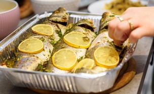 להכין דגים (צילום: Inna Reznik, shutterstock)