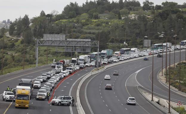 קורונה בישראל - כביש מספר 1 היום