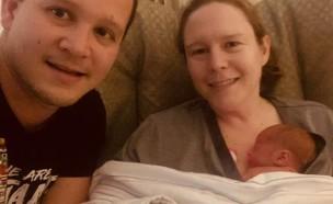 קים וחואן פלורס (צילום: Northside Hospital/Twitter)