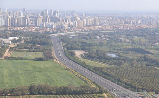 כבישים ריקים (צילום: אילן ארנון)