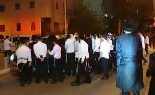 התקהלות חרדים בבני ברק (צילום: מחאת החרדים הקיצוניים)