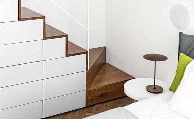 טל רוזין, מדרגות (צילום: שי אפשטיין)