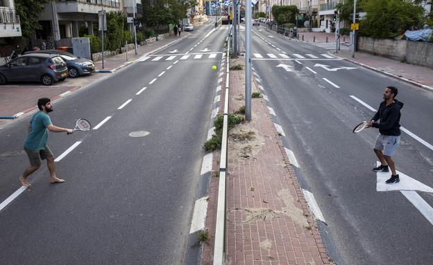 קורונה בישראל - הסגר ברמת גן (צילום: Oded Balilty, AP)