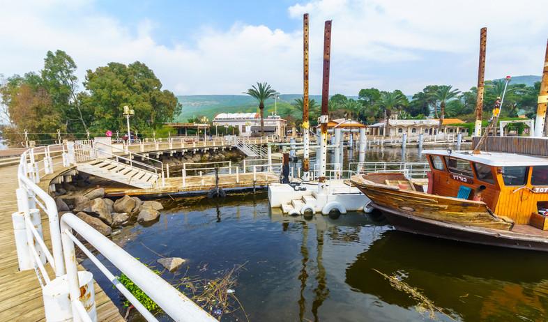 נמל קיבוץ עין גב, מרץ 2020 (צילום: RnDmS, shutterstock)
