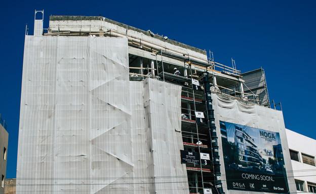 אתר בנייה בתל אביב (צילום: Jose HERNANDEZ Camera 51, shutterstock)