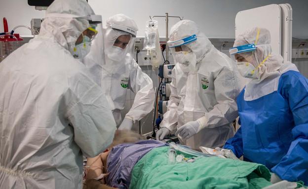 טיפול רפואי במחלקה לקורונה