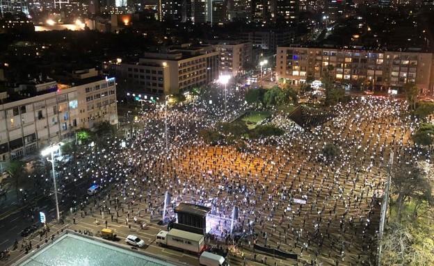 ההפגנות בכיכר רבין (צילום: מחאת הדגלים השחורים)