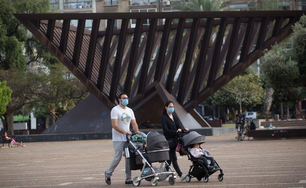 קורונה בישראל - כיכר רבין בסוף השבוע (צילום: מרים אלסטר, פלאש 90)
