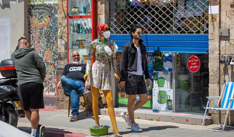 חנות סגורה בזמן הקורונה בתל אביב (צילום: S. Edelweiss, shutterstock)