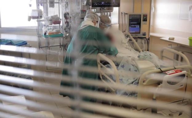 הצצה למחלקת הקורונה באיכילוב (צילום: CNN)