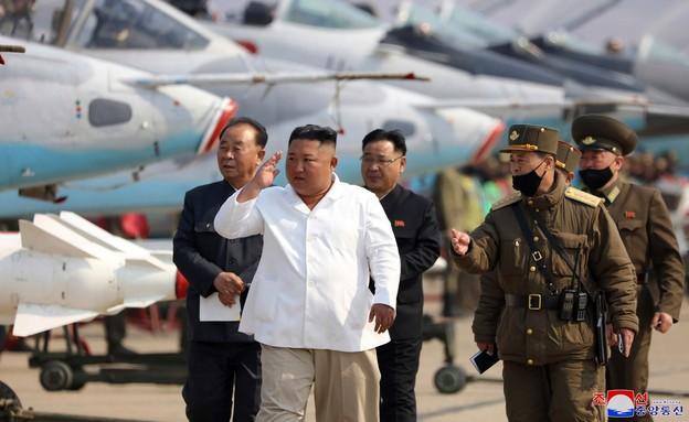 סדר בשמועות: מה קרה לקים ג'ונג-און? (צילום: AP)